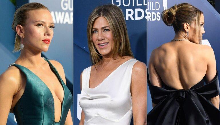 Foto: Holivudas dīvas aktieru ģildes balvu ceremonijā žilbina ar eleganci