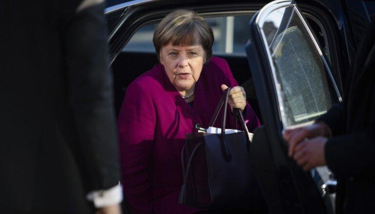 Путин обсудил перемирие в Сирии с Меркель и Макроном