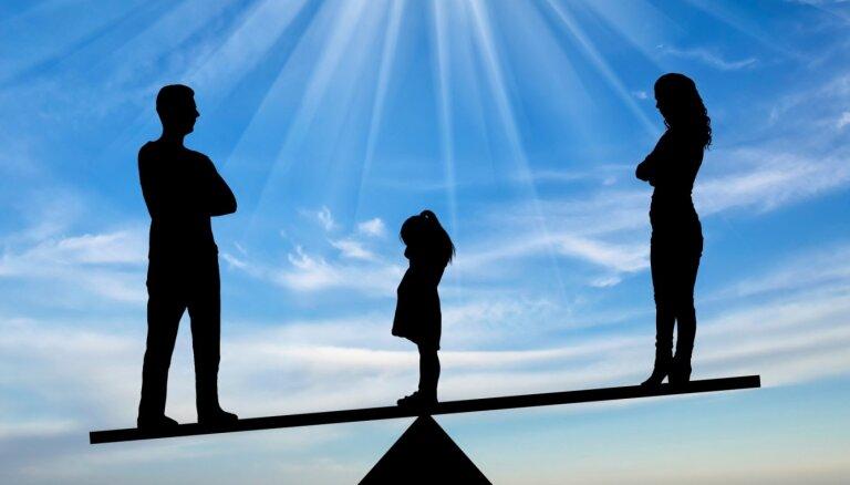 Bērns starp divām mājām. Izaugsmes treneres Santas Leibovičas personiskā un profesionālā pieredze