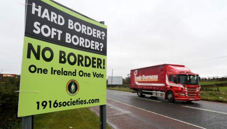 Bezvienošanās 'Brexit' gadījumā arī Īrija pie robežas varētu izvietot policiju