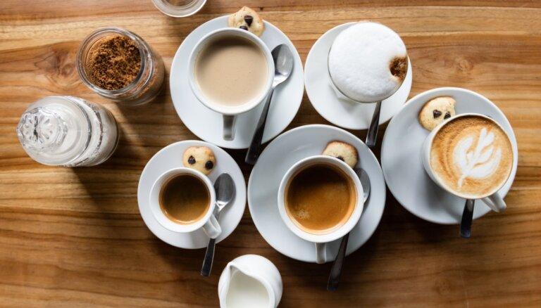 Cik daudz kofeīna ir Latvijā populāru zīmolu kafijās?