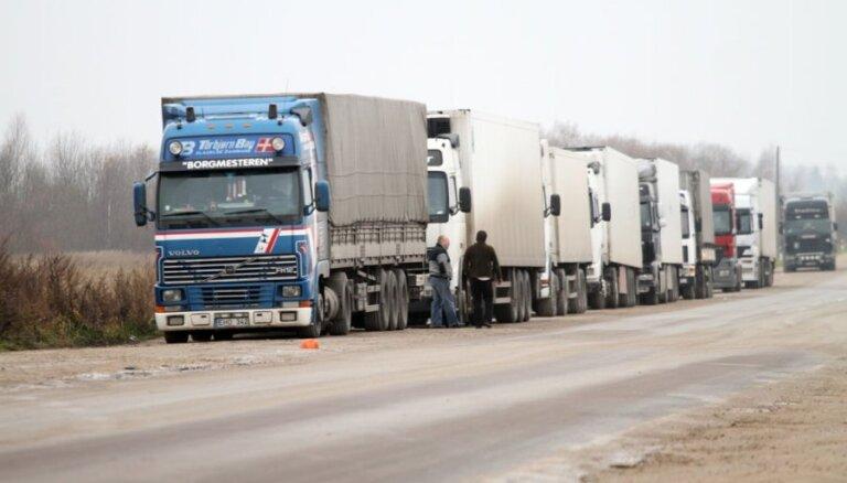 Rindā Terehovas robežkontroles punktā jāgaida vairāk nekā trīs diennaktis