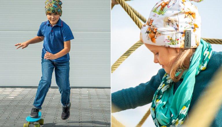 Latvijā sāk ražot cepures bērnu galvas traumu risku mazināšanai