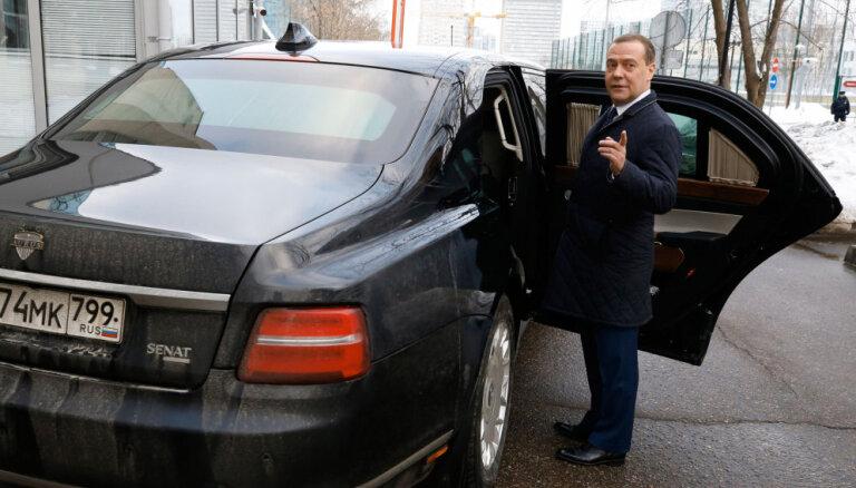Krievu 'Aurus' limuzīnu sauks par 'sešsimto', tāpat kā mersedesu