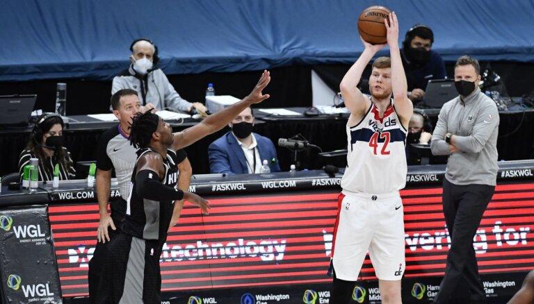 Ne viss ir lāzers, kas spīd. Vai Dāvis Bertāns mainīs tendences NBA tirgū?