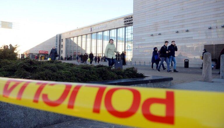 Piemēro 250 stundas piespiedu darba par viltus draudiem uzspridzināt tirdzniecības centru 'Origo'