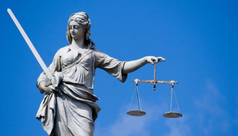 ECT noraida Jurija Petropavlovska lūgumu pārskatīt spriedumu par naturalizēšanos