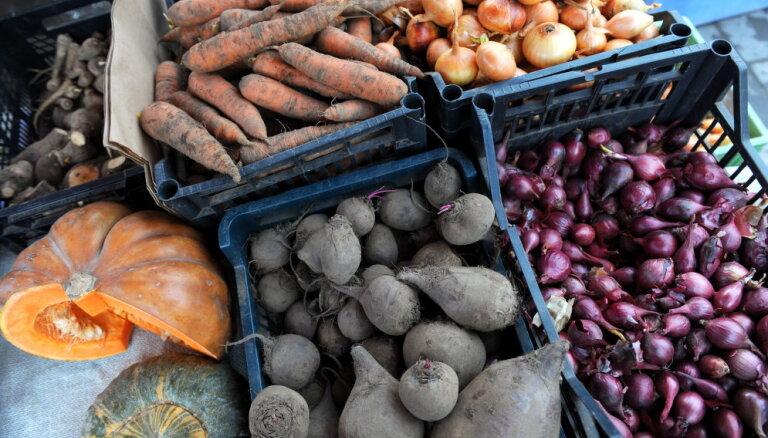 Латвия снизила НДС на овощи и фрукты. Что это значит для покупателей?