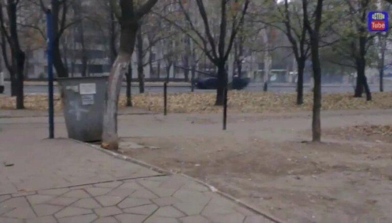 Video: No Krievijas Ukrainā iebraukusi 32 tanku kolonna
