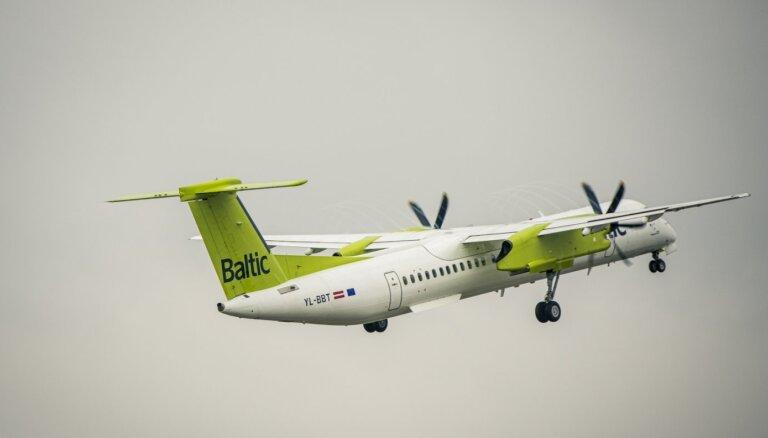 Читательница: при бесплатной смене даты полёта airBaltic приходится доплачивать за топливо