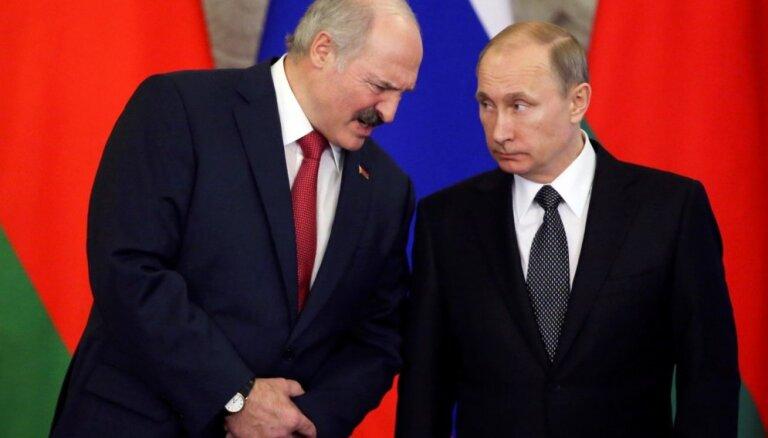 Путин созвонился с Лукашенко на фоне споров о качестве поставляемой нефти