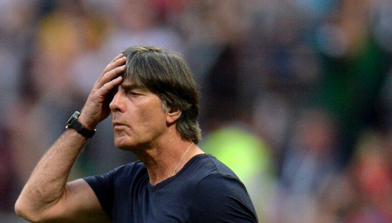 Наказание за бездарную работу. В Германии критикуют команду Лева за вылет в 1/8 финала
