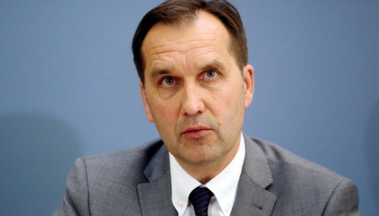 Latvijas vēstniecība Krievijā aicina valstspiederīgos līdz 30. martam pa sauszemi izceļot no Krievijas