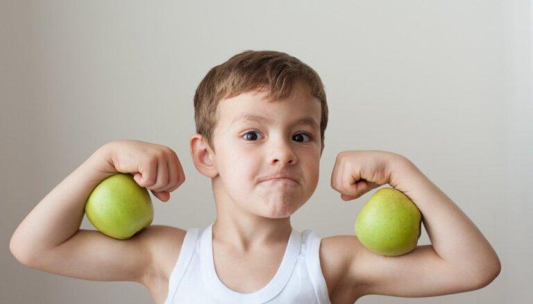 Vai mūsdienu bērni kļūst vājāki? Treneris atklāj, kā stiprināt atvases fizisko sagatavotību