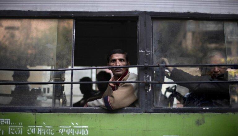 В Индии автобус с оперной труппой сорвался в пропасть