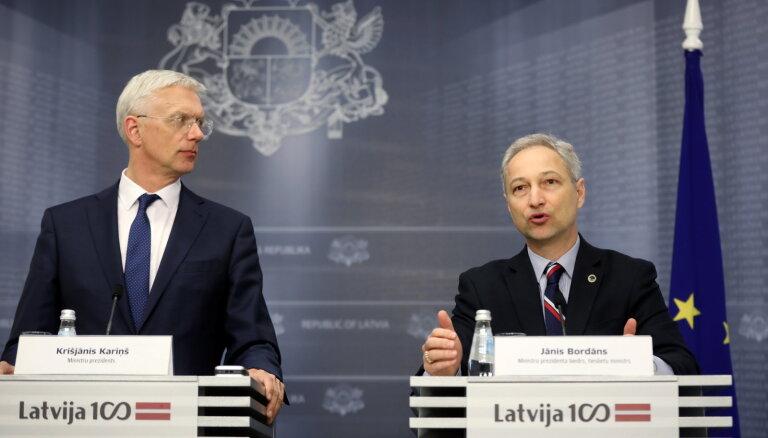 Kariņš nekomentē Bordāna iniciatīvu izvērtēt Kalnmeiera atbilstību amatam