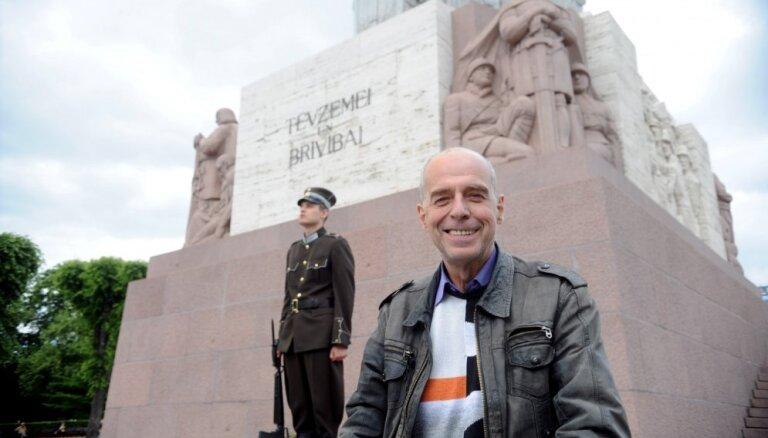 Koncertuzvedumā 'Laika vārti' izdziedās un izdejos Latvijas brīvības stāstu