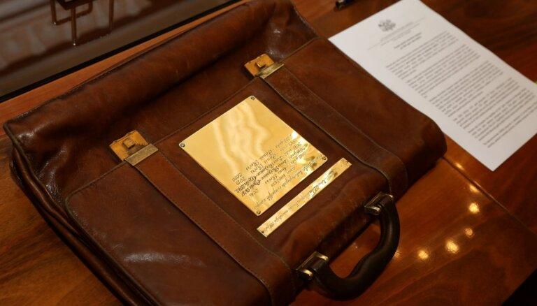 Nākamā gada budžetu Saeima nodod komisijām; nākamnedēļ sāks izskatīt