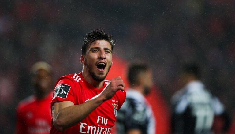 'Manchester City' par 68 miljoniem eiro iegādājas portugāli Diašu