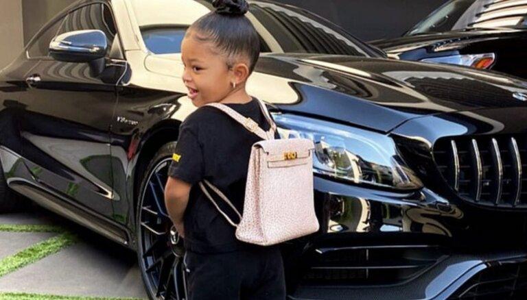 Kailijas Dženneras divgadniecei 'Hermes' mugursoma 12 000 dolāru vērtībā