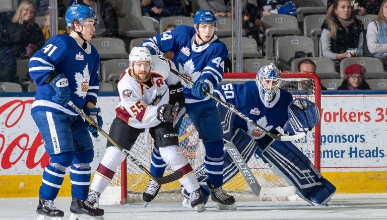 Latvijas izlases gaidītais aizsargs Rubīns nosūtīts atpakaļ uz ECHL komandu
