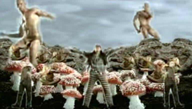 Sensāciju izraisījis 20 gadus vecs dziesmas video ar Stethemu