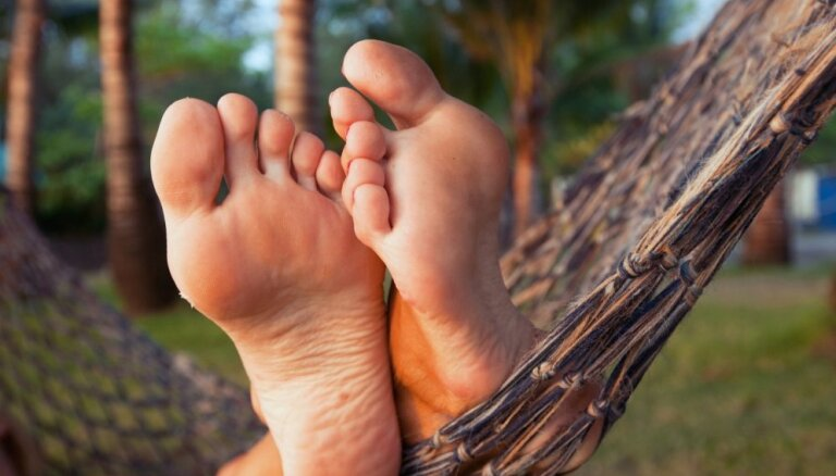 Pēdas kā veselības spogulis: par ko liecina dažādas pazīmes