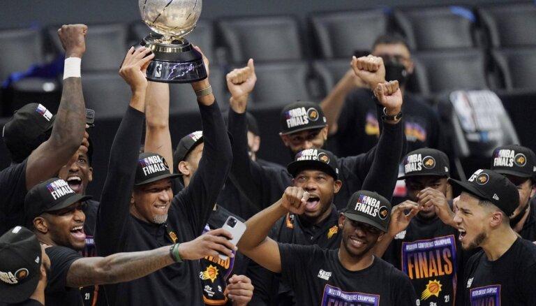 Fīniksas 'Suns' pēc 28 gadu pārtraukuma iekļūst NBA finālā
