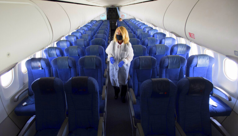 Авиакомпании оценили риск заразиться коронавирусом в самолете