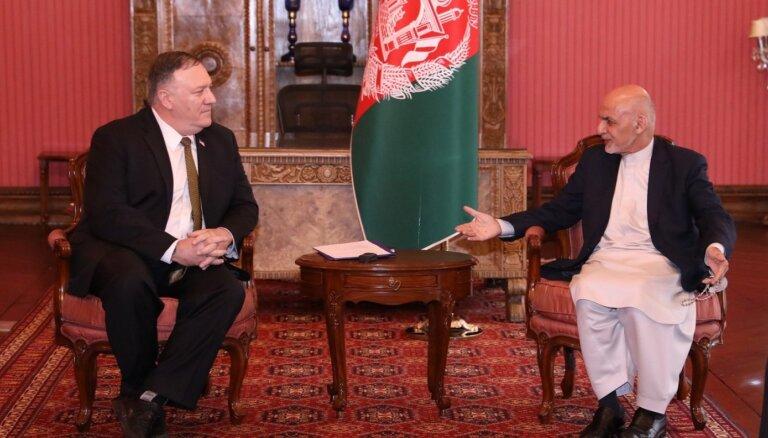 ASV par vienu miljardu dolāru samazinās finansiālo atbalstu Afganistānai