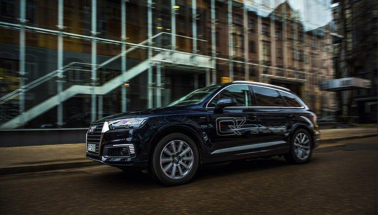 """Покупатель """"почти представительского"""" Audi Q7 победил в конфликте с VID"""