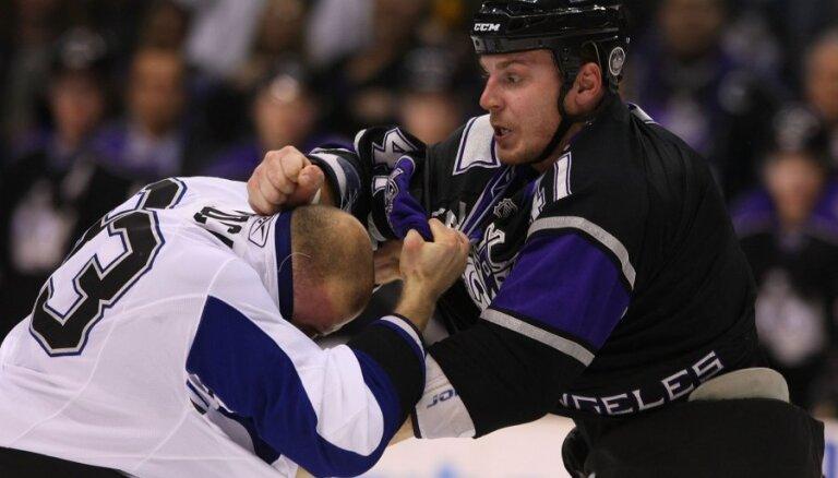 Ivanānu Kanādā piesauc kā piemēru smadzeņu satricinājumu bīstamībai hokejā