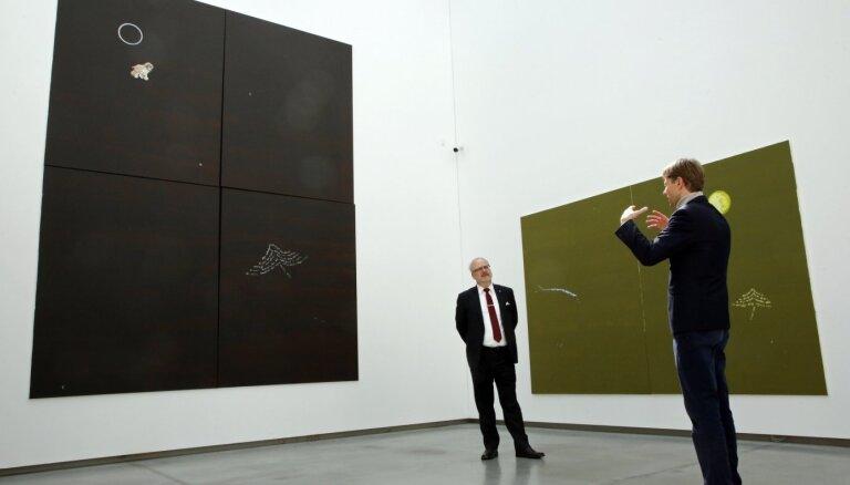 Foto: Valsts prezidents apmeklē Latvijas Nacionālo mākslas muzeju