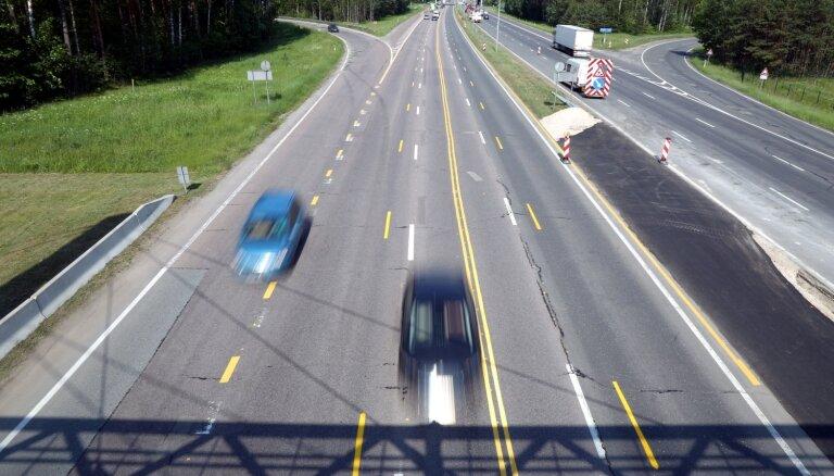 Теперь можно: на некоторых латвийских дорогах максимальная скорость поднята до 100 км/ч