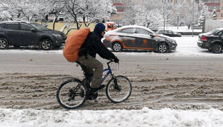 Полиция ищет свидетелей столкновения автомобиля с велосипедистом