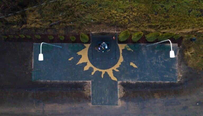 К годовщине гибели Виктора Цоя приведена в порядок площадка у памятника на 35-м километре