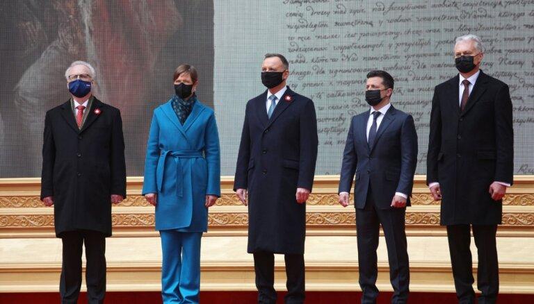 Baltijas valstu, Polijas un Ukrainas prezidenti paraksta deklarāciju par atbalstu demokrātijas centieniem