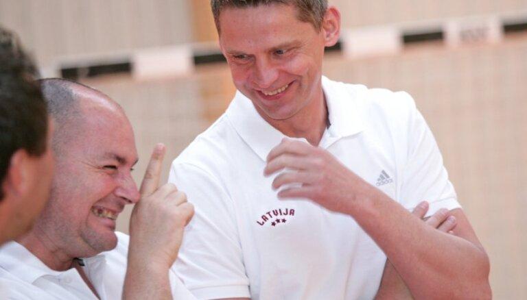 Muižnieks turpinās trenēt Ukrainas klubu 'Himik'