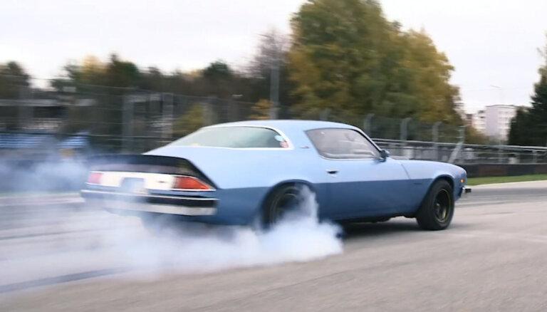 'Ātruma cilts' video: ASV autobūves leģenda – 76. gada 'Camaro'