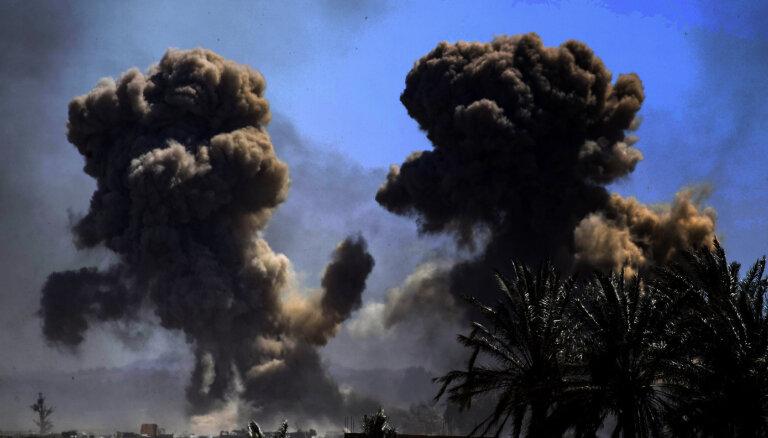 Izraēla Sīrijas austrumos bombardējusi irāņu kaujinieku bāzes