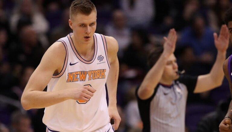 Porziņģa 19 punkti pārtrauc 'Knicks' zaudējumu sēriju; '76ers' sakauj Bertāna 'Spurs'