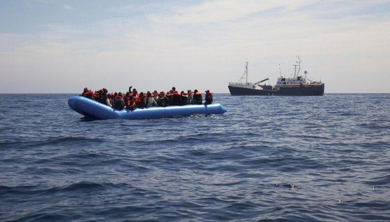Malta un Itālija atsakās uzņemt kuģi ar 64 migrantiem