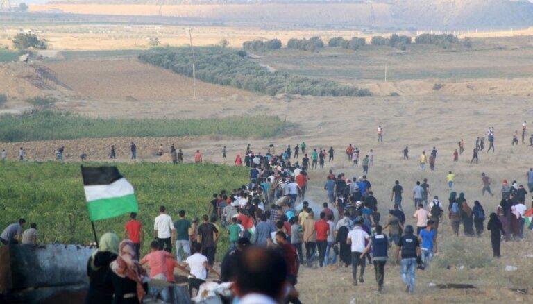 Pie Izraēlas un Gazas joslas robežas nogalināti divi palestīniešu pusaudži