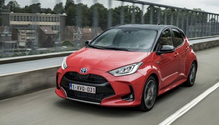 Tirdzniecībā Latvijā nonācis jaunais 'Toyota Yaris' modelis