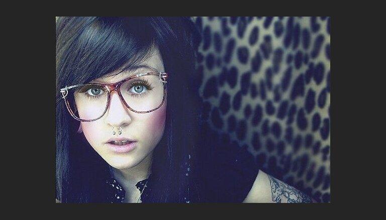 Kā tetovētā latviete Monami izskatījās 14 gados