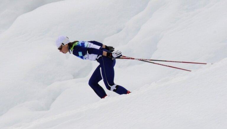 Leģendārā igauņu slēpotāja Šmiguna-Vehi noliedz saistību ar dopingu Turīnas Olimpiādes laikā