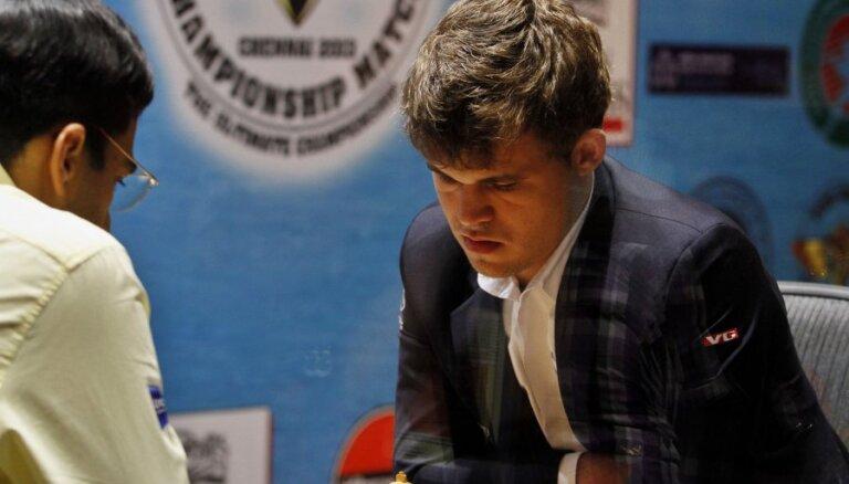 Норвежец Карлсен — новый шахматный король мира