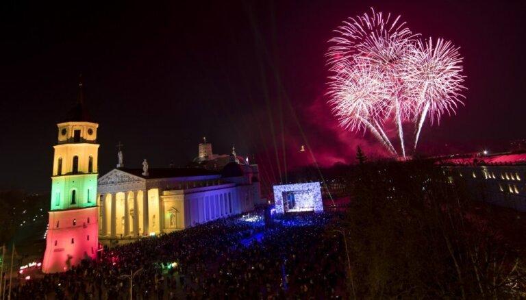 Foto: Lietuvā svin 101. valsts neatkarības gadadienu