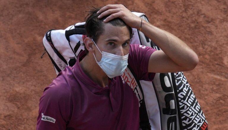 Tīms negaidīti izstājas no 'French Open' jau pirmajā kārtā