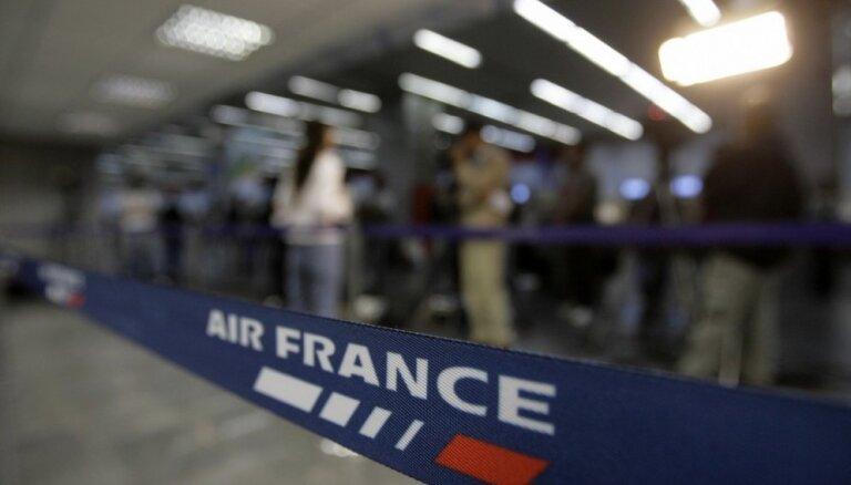 Франция введет эконалог на авиабилеты